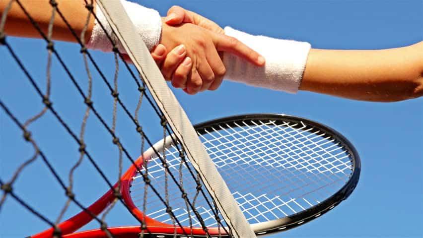 Créer efficacement un réseau de partenaires au tennis